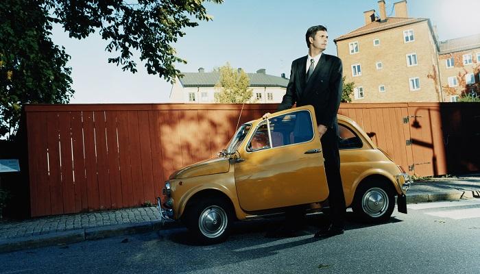 Bilfinans med eller utan bilen som säkerhet?
